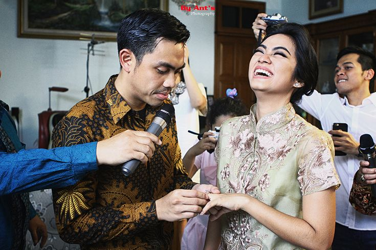 The Engagement of Ayudia Bing Slamet and Ditto - www.thebridedept.com