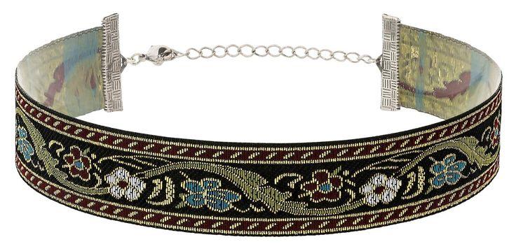 - Choker - Antiksilberfarben und Grün - Strap aus Textil mit floralem Muster - Goldfarbene Fäden im Muster - Verlängerungskette Länge: 30,5-36 cm Breite: 2,2 cm
