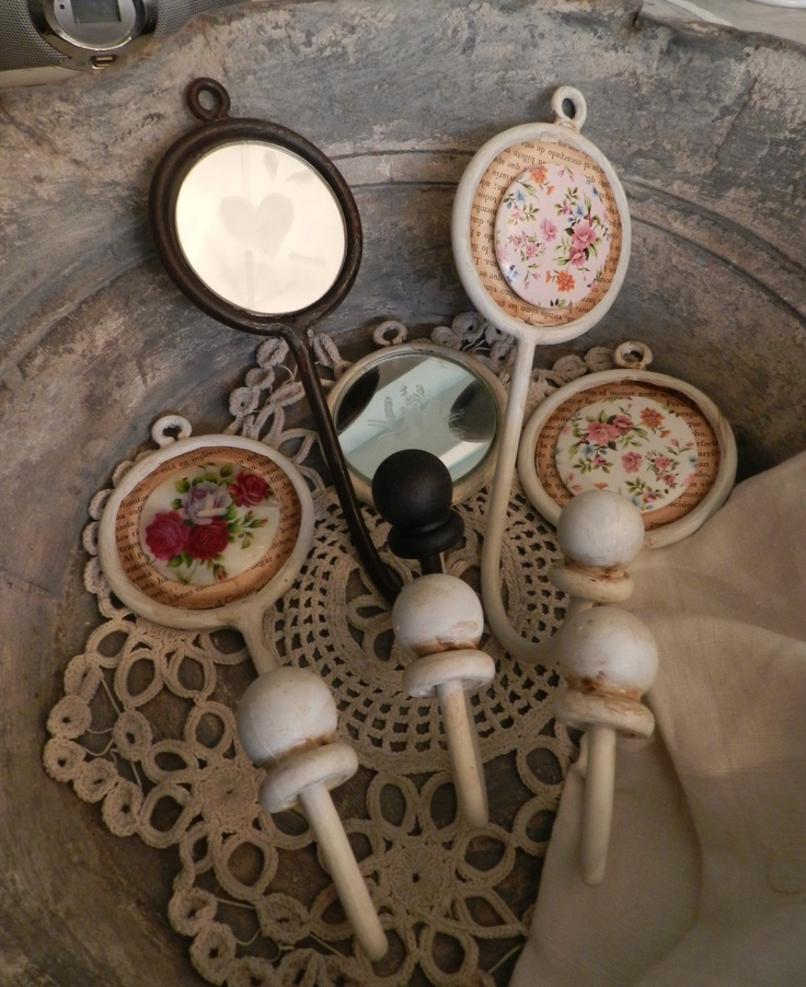 Percheros de hierro decapado con espejo la rescata for Ganchos para percheros de hierro