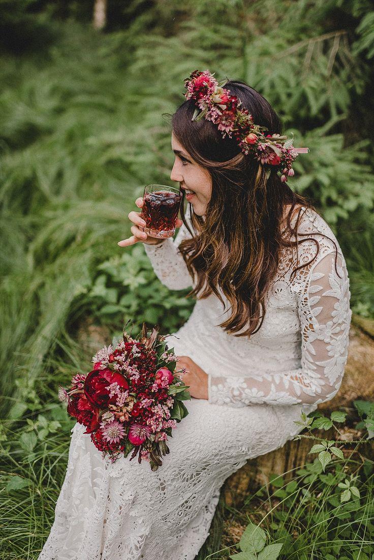 Eine Boho-Waldhochzeit in Marsala – Boho Chic Hochzeit I Bohemian Wedding