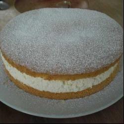 Kwark-slagroomtaart met biscuitdeeg @ allrecipes.nl