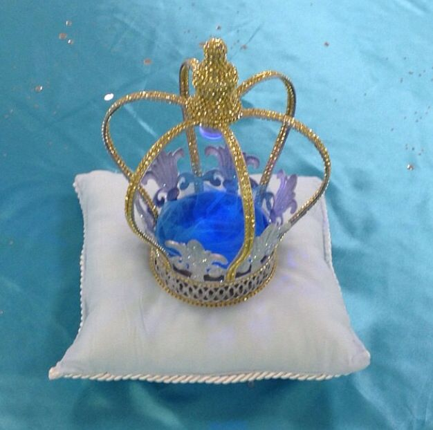 Best decorative crown centerpieces and blinged out