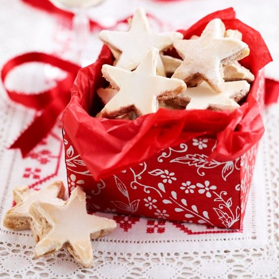 Homemade Cookies: German Cinnamon Stars / http://www.womanandhome.com/recipes/532248/german-cinnamon-biscuits-recipe