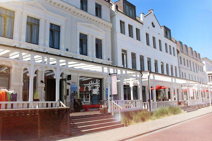 Das Inselloft Norderney ist ein wunderbarer Ort zum Entspannen. Eigentlich ist es gar kein Hotel, vielmehr die Unterkunft bei Freunden. Direkte Strandlage, zentral, tolle Architektur. Perfekt für alle, die das besondere auf der Nordseeinsel Norderney suchen.