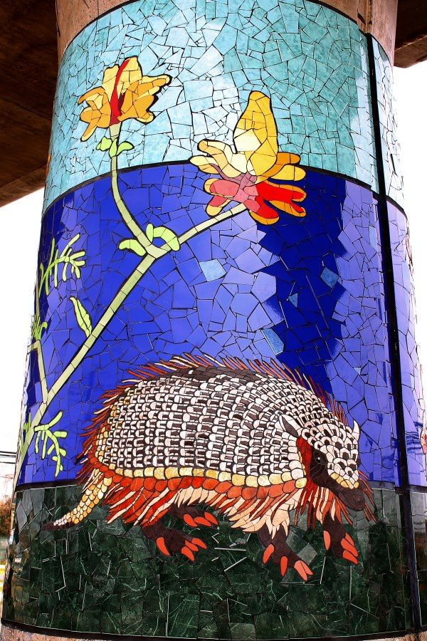 Armadillo Pillar - Natural History Museum in Mosaic - Chile: Isidora Paz López