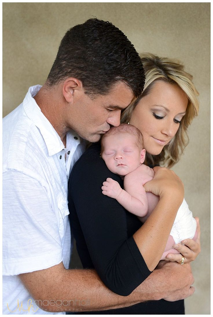 atlanta lifestyle photography. Family, parent newborn pose idea  Maegan Hall photography @ http://maeganhallphotography.com