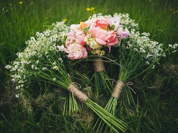These beautiful bunches by Jenny Fleur would be perfect for a rustic summer celebration. Image © Lifeline Photography. #rusticweddings #summerweddings #weddingflowers #bouquets #wedding