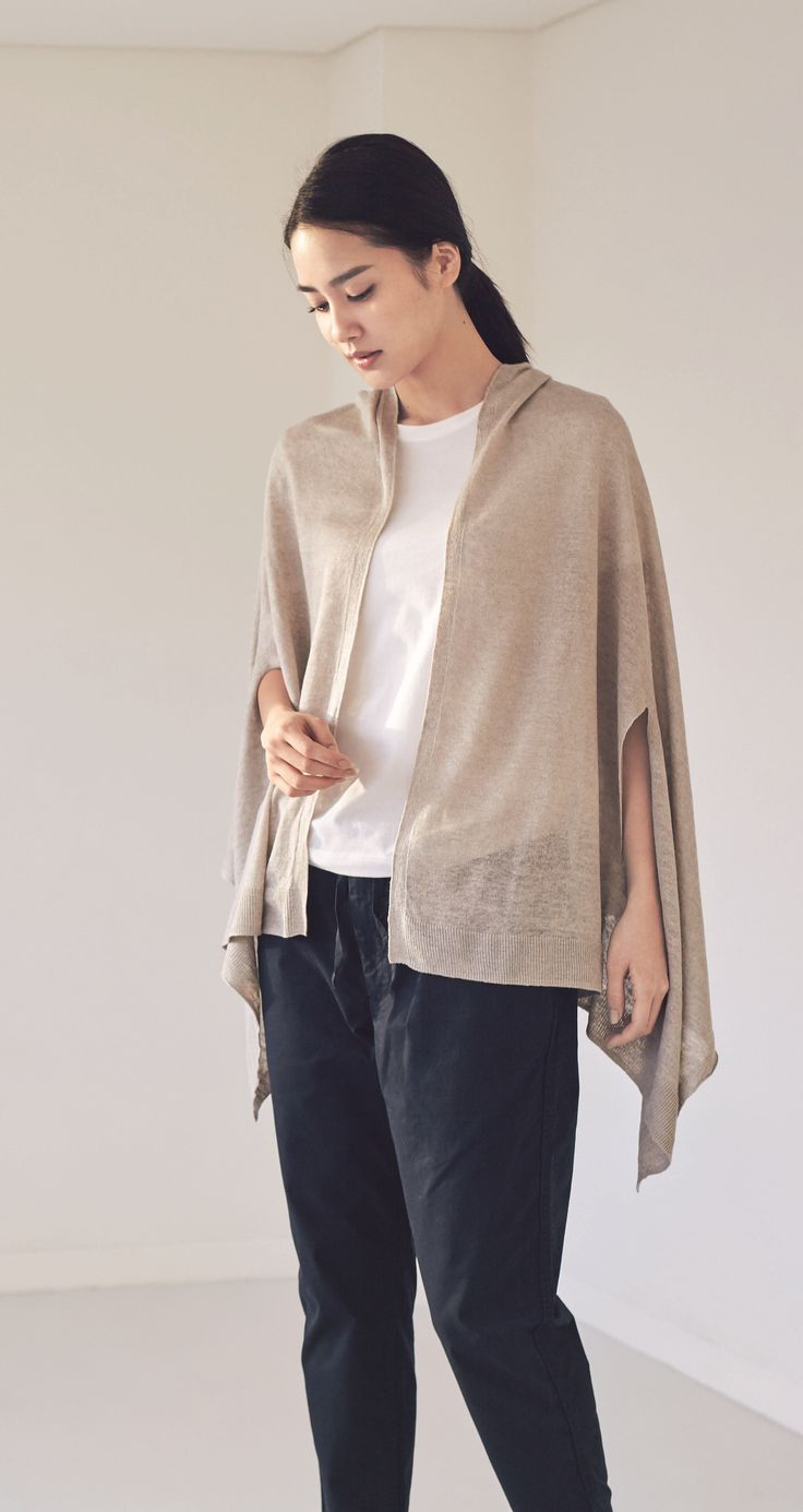 In the heat and the cold. | Keep comfortable in both the heat of the sun and the cold air-conditioner. In a silhouette and colour for all styles— wear it, wrap it, throw it over your shoulders. | MUJI French Linen UV Cut Cape Stole with Openings for Arms (Light Beige)