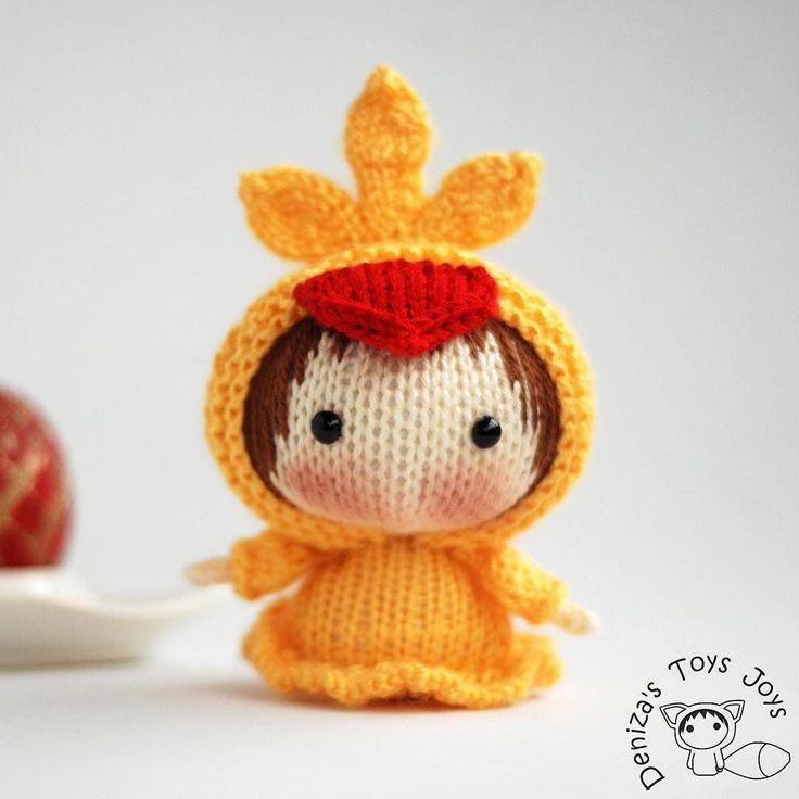 Small Chicken Doll. Tanoshi series Doll. цыпочка из серии Tanoshi. Желаю вам счастливых праздников и солнечного настроения!  Küçük civciv. Tanoshi serisi oyuncak. #пасха #игрушка #амигуруми #авторскаяигрушка #вязанаяигрушка #вяжутнетолькобабушки #toy #tanoshi #tanoshi_toy #tanoshidoll #doll #dollknittingpattern #denizastoysjoys #denizasdolls #knittoy #knitting #knittedtoys #amigurumi #chicken #örgü #örgüoyuncak #forchild #forsale #weamiguru #örgümüseviyorum by denizastoysjoys