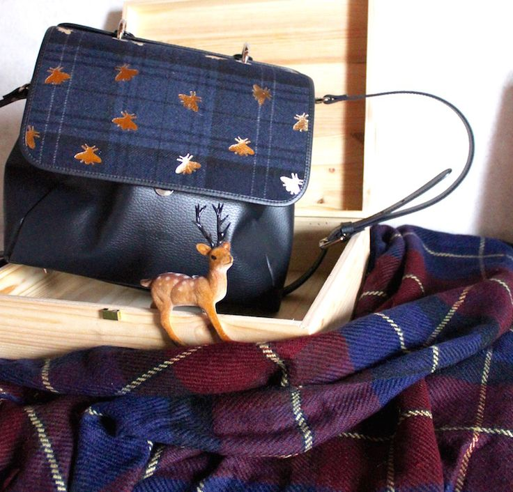 Tartan details  #tartan #ootd #fashion #skirt #bags #vintage #winter  #fashionblogger #scarf #madeinitaly  #HOME #interior #deer #bee #style