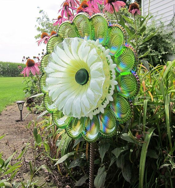Lawn Ornament Colorful Carnival Glass Garden Art Sculpture Yard Decor Egg  Plate Flower Suncatcher Reclaimed Material Recycled Glass Art