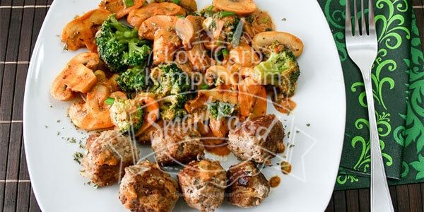 Low Carb Pilzpfanne mit Brokkoli und Hackbällchen