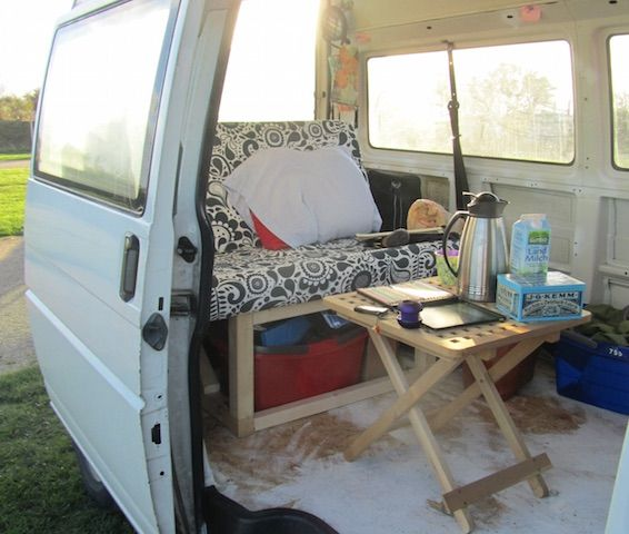 vw bus t4 low budget camper ausbaustufe 1 vw bus. Black Bedroom Furniture Sets. Home Design Ideas