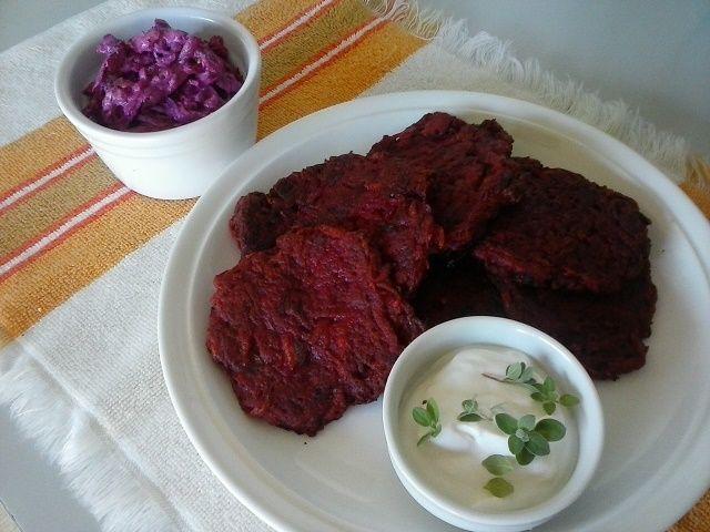 Večera v réžii červenej repy... recept som objavila na jednom blogu a neodolala som vyskúšať. Oplatilo sa sú výborné.
