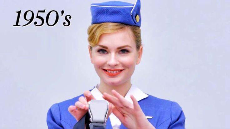 Ресурс Condé Nast Traveler опубликовал на своем канале Ютуб ролик, в котором продемонстрировал то, как менялась одежда борт проводниц за последние 90 лет. Свой модный показ ребята решили начать с с…