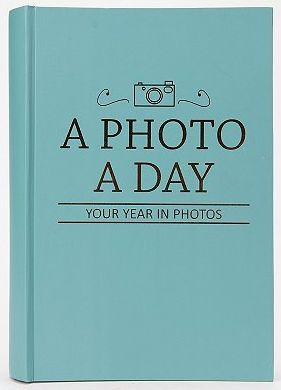 Social Media Gifts for Teens:  Photo A Day Album @ Urban Outfitters   Any of this would be super amazing!!