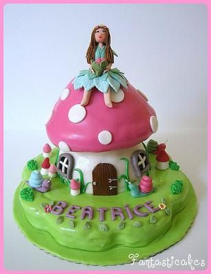 Google Image Result for http://www.pink-heaven-party-ideas.com/images/a-fairy-cake-idea-theme-21254375.jpg