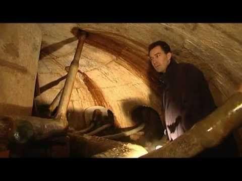 Voyage au coeur du système hydraulique de Versailles - YouTube