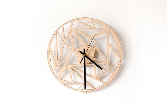 Hoi! Ik heb een geweldige listing op Etsy gevonden: https://www.etsy.com/nl/listing/231522116/wood-wall-clock-unique-wall-clock-modern