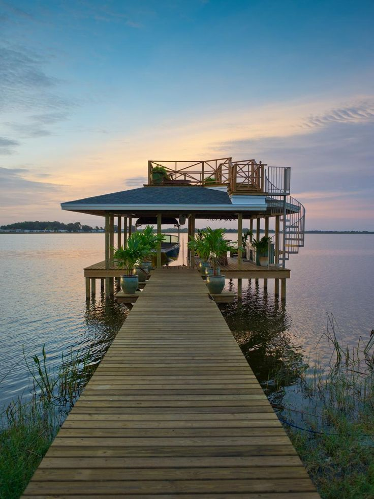 The Yardcore team takes outdoor design to the next level at Blog Cabin 2014. This two-story boat dock is the ultimate spot for entertaining, relaxing and communing with nature. Browse pictures of the boat dock at Blog Cabin 2014 on DIYNetwork.com.