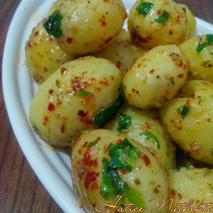 Bu tereyağlı minik patateslere bayılacaksınız benden söylemesi.. Tereyağlı Baharatlı Patates İçin Gereken Malzemeler yarım k...