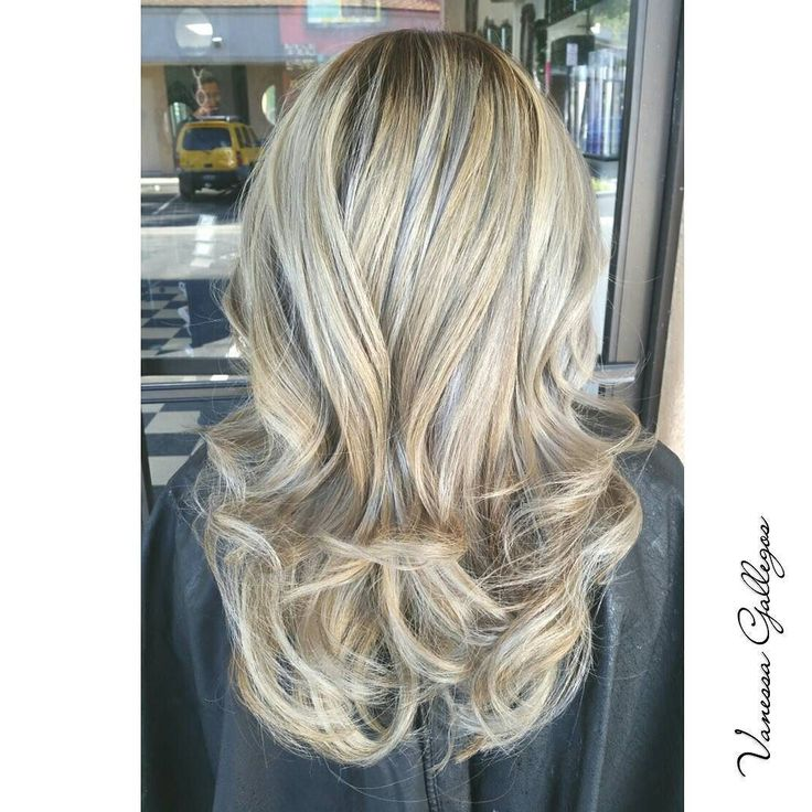 ASH ON ASH!!! DM me to schedule your appointment ladies! I have one appointment available for next week #huntington  #modernsalon #blonde #embeemeche #americansalon #balyage #highlights #colorblend #cypresshair #blondehair #la #lahair #oc #orangecountyhair #hair #stylist #hairsalon #DM #bookyourappointment #irvine #irvinehair #DimensionalColor #blend #color # Paul Mitchell #ilovewhatido by createdby_vanessa