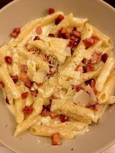 Romige pasta met krokante spekjes | Lekker en Simpel