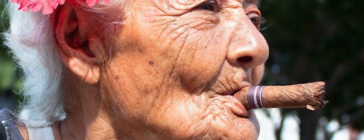 cubaanse vrouwen die havana sigaren roken - Google zoeken
