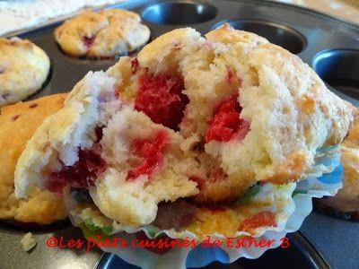 Avec un reste de crème sure j'ai fait ces divins muffins tout moelleux! À l'origine, c'était avec des bleuets mais tout aussi bon avec de...