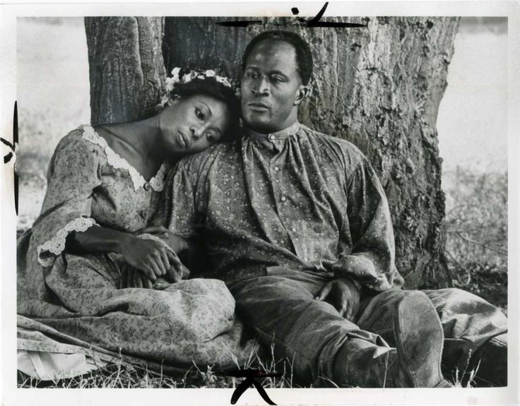 Publicity still of American actors John Amos and Madge Sinclair in the ABC TV series ' Roots,' 1977. Description from gettyimages.com. I searched for this on bing.com/images