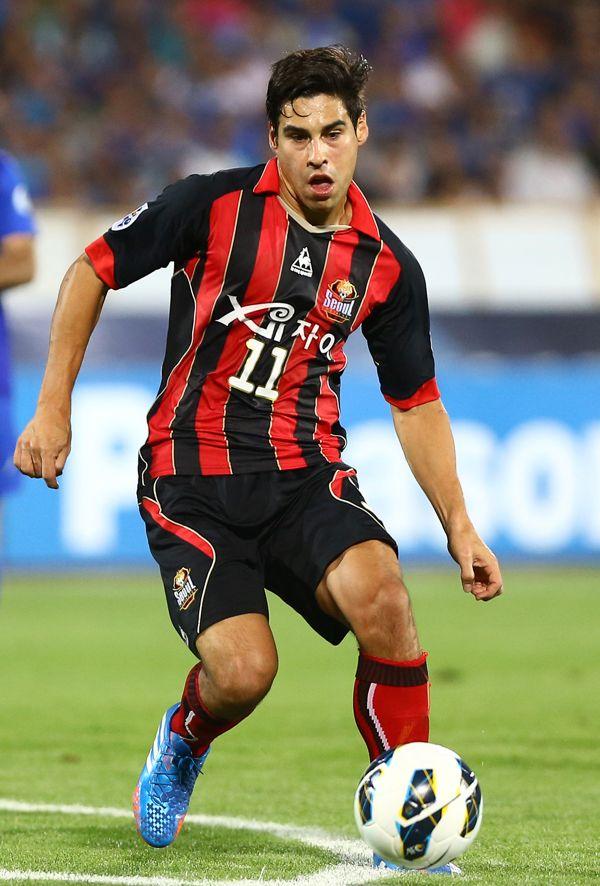 south-koreas-fc-seoul-striker-mauricio-molina_fo7fh5s4ggwl14j5gevhpgxmd.jpg (600×886)