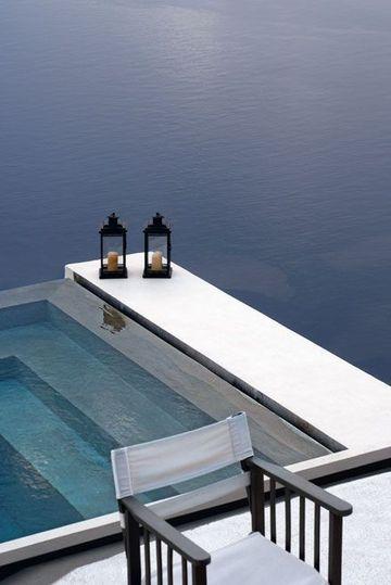 Deux lanternes sur la mer - Un balcon sur la mer - CôtéMaison.fr