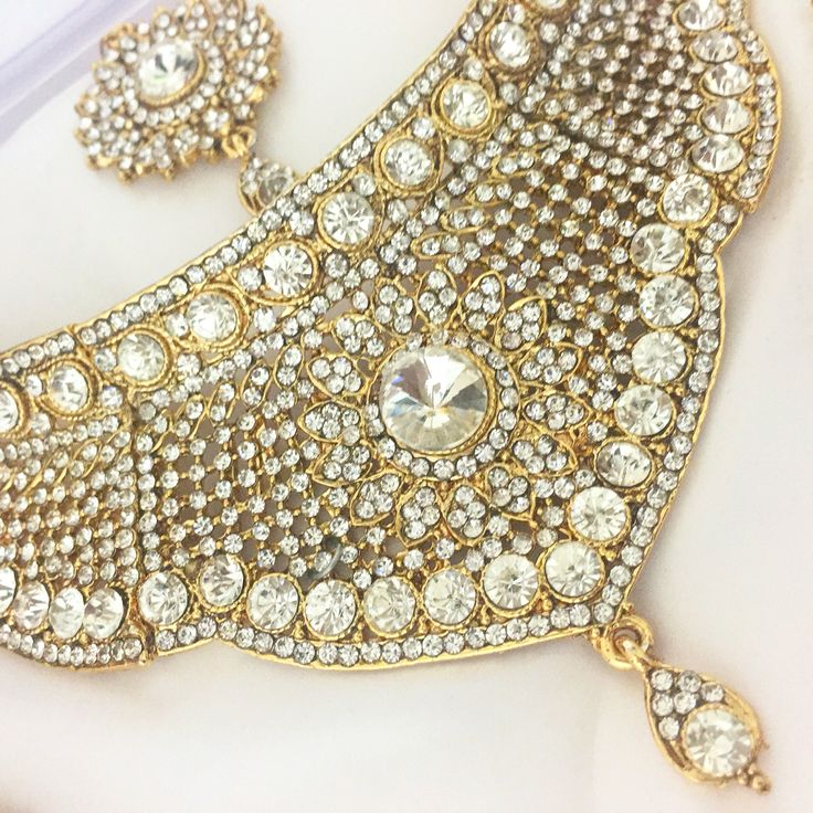 Gold Bollywood Indian Jewelry Set