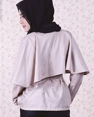 Madison cape top in nude: Japanese cotton, soft, thin & cooling. Fabric buttons, separate fabric belt and nursing-friendly.