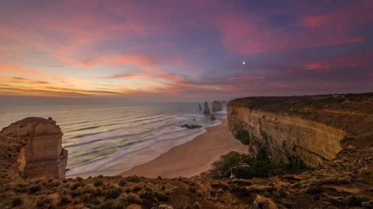 To have the best view of the 12 Apostles walk up 50 metres of the main path