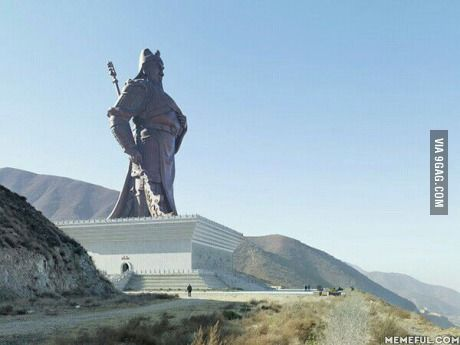 With all the posts about giant statues, here's the Guan Yu statue in China.