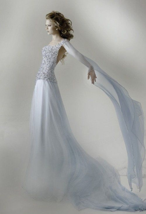 This photo effect and color seems cool! Sharing from The Louvre Bridal Singapore (www.thelouvrebridal.com)