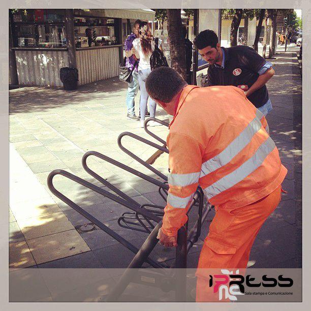 RASTRELLIERA DAY - I Press è sponsor del Comune di Catania ed ha contribuito all'istallazione delle rastrelliere di piazza Trento e di via Monfalcone, angolo corso Italia. Perché I Press (e soprattutto la nostra art director Assia La Rosa) è Bike Friendly #SAPEVATELO