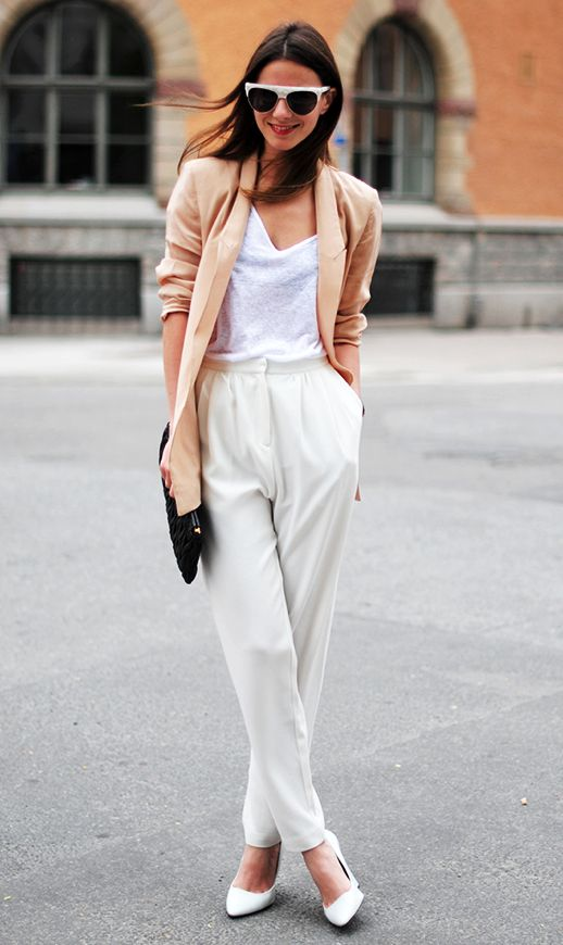 nude blazer, white trousers, white heels #fashion #style #bloggerstyle