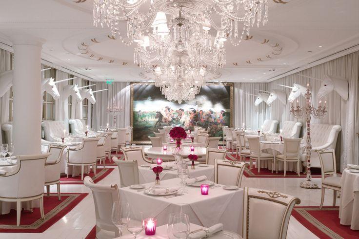 #Hotel #Faena #BuenosAres https://revistavivelatinoamerica.com/2014/02/26/faena-hotel-exclusividad-arte-y-shows-en-puerto-madero-buenos-aires-argentina/