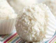 Νόστιμα μίνι τρουφάκια με γεύση καρύδας | ingossip.gr