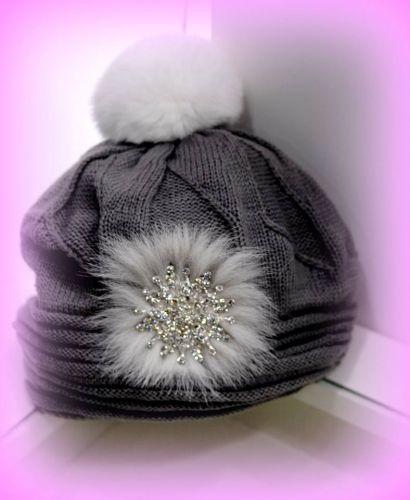 Γυναικείο σκουφάκι στολισμένο με γούνα και κρύσταλλα  http://handmadecollectionqueens.com/Σκουφακι-με-γουνα-και-κρυσταλλα  #handmade #fashion #accessories #beanies #storiesforqueens #women
