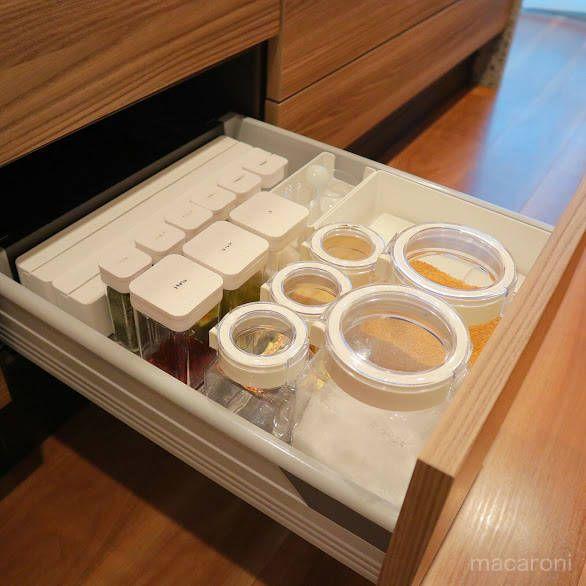 片付けのプロが教える 5つの 調味料収納グッズ Macaroni 調味料 収納 キッチン 調味料 収納 キッチン 周り 収納