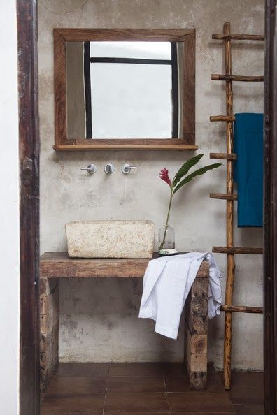 1000 ideas about ladder towel racks on pinterest for Bathroom cabinets urban ladder