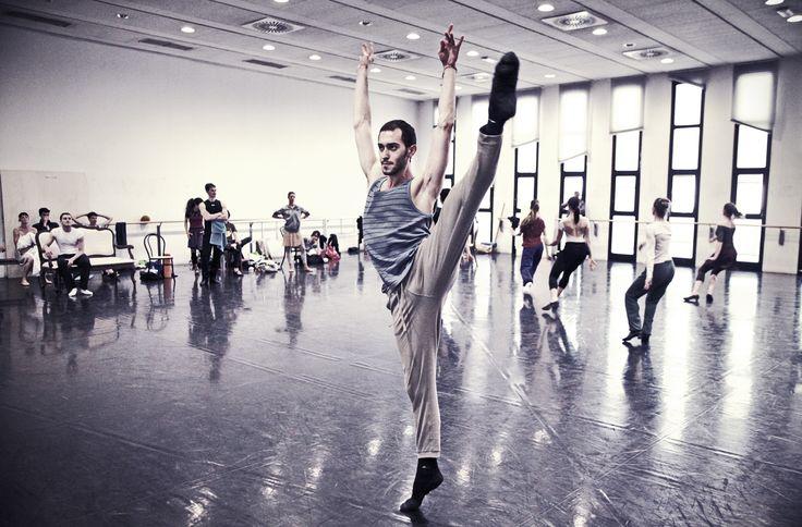 Christian Fagetti rehearsing L'altra metà del cielo - 2012/2013 Season http://www.youtube.com/watch?v=tWYQK_ccCww