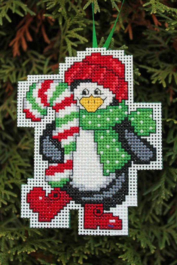 Cross Stitch ornamento de la Navidad  pingüino por britto801, $6,00