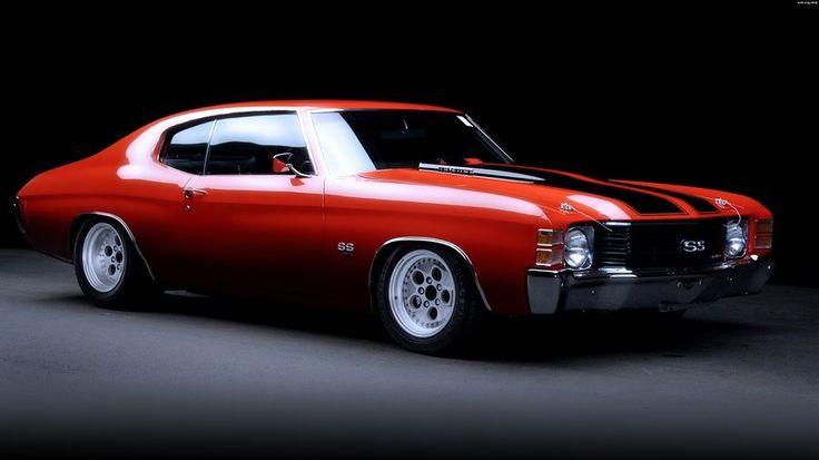 Chevrolet Chevelle SS 454 vermelho. Tem um motor V8 e pode gerar até 450 cavalos
