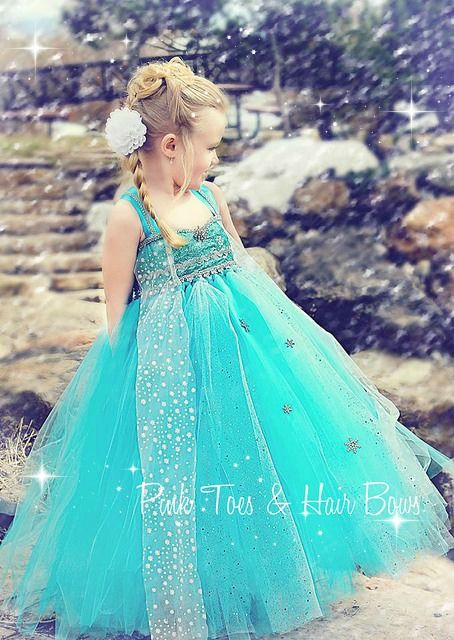 Elsa Snow Queen tutu dress Pink Toes and Hair Bows Elsa birthday party