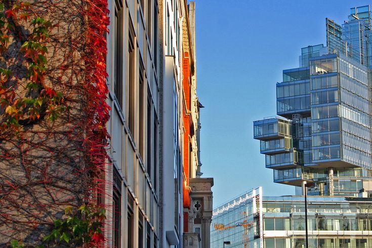 Nord/LB Gebäude und Herbst    (34 Bilder, die beweisen, dass Hannover die schönste Stadt) Deutschlands ist