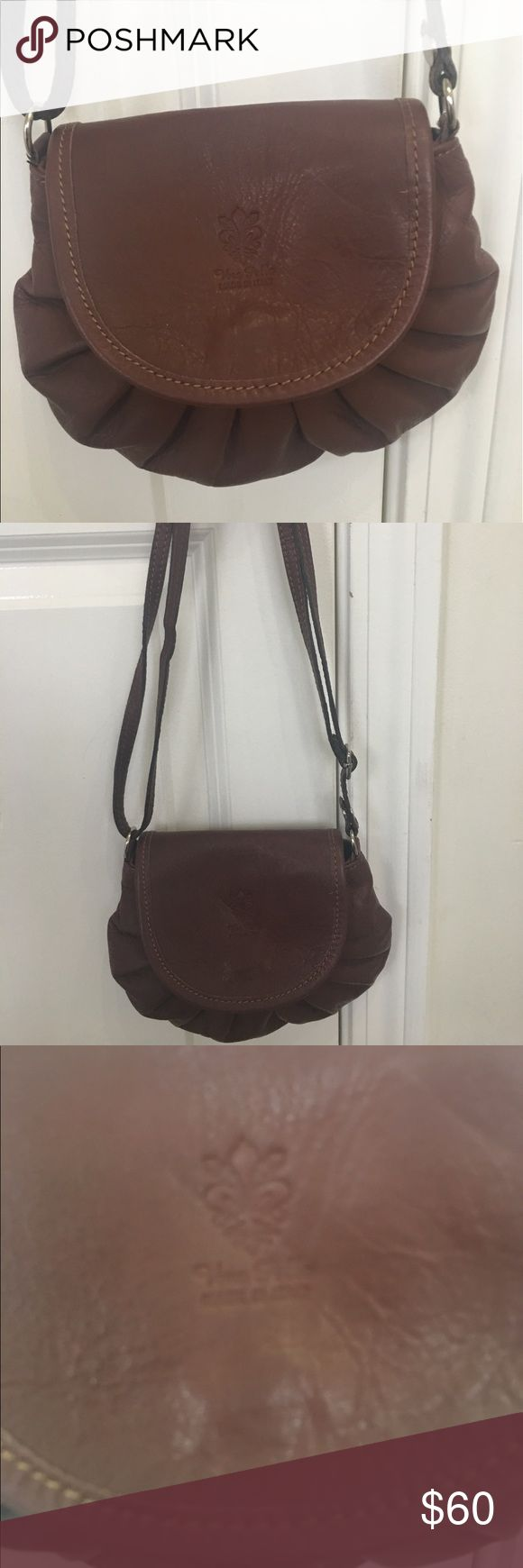 Vera Pelle Vintage Purse!! 👜 Vera Pelle Vintage Purse!! 👜 Great Condition! Great purse for date night or girls night out!! Vara Pelle Bags Shoulder Bags